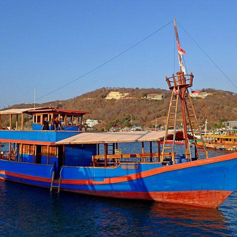 Дайвинг в парке Комодо - лодка Santai